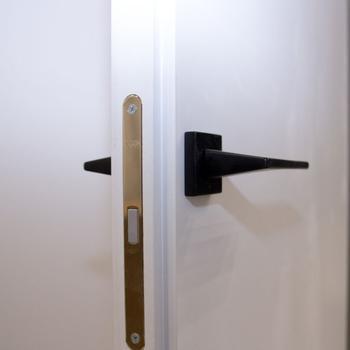механизм скрытых дверей